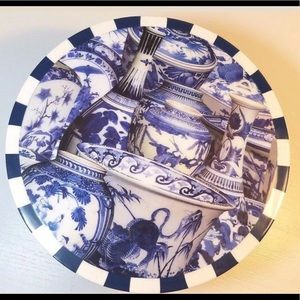 Blue and White Cake Cheese Stand